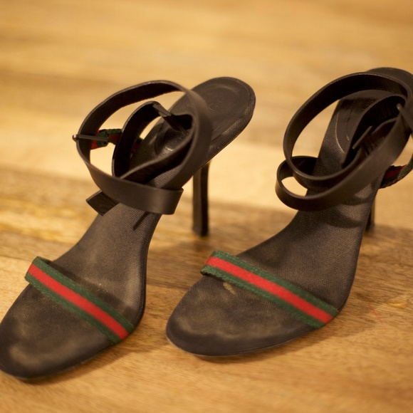 6eb5a45b6 Gucci Shoes - Gucci Green Red Green Ribbon Sandal